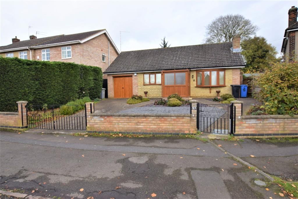 2 Bedrooms Detached Bungalow for sale in The Crescent, Kettering