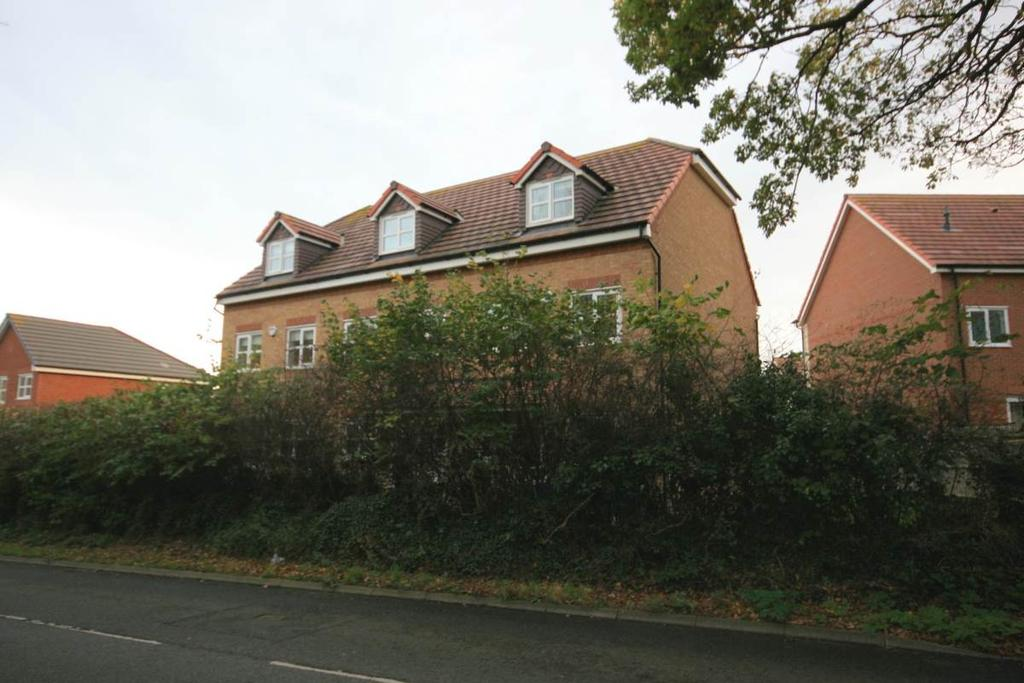 3 Bedrooms Town House for sale in 27 Lon Bedw, Llandudno Junction, LL31 9FE