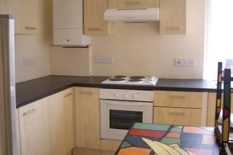 4 bedroom flat to rent - Cheltenham Rd, Cotham