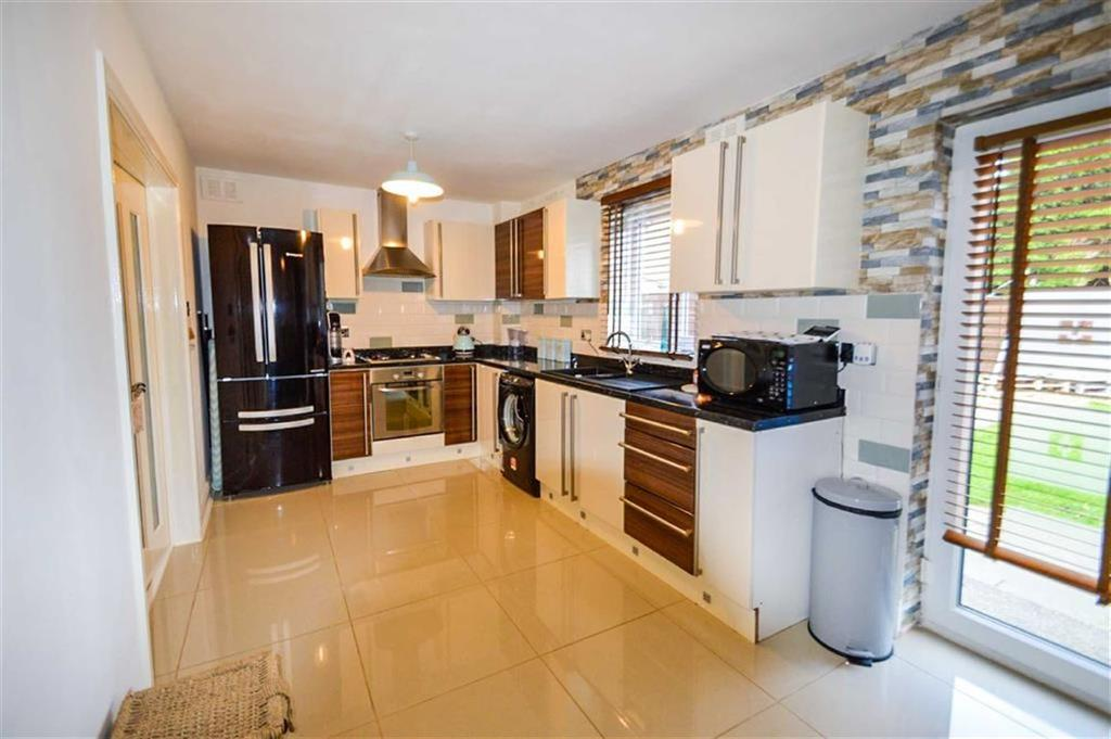 2 Bedrooms Semi Detached House for sale in Gower Road, West Hull, Hull, HU4