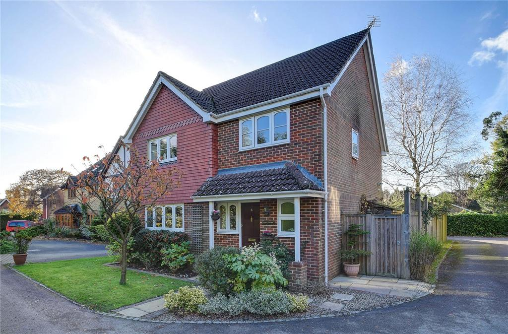 4 Bedrooms Detached House for sale in Oakhurst, Grayshott, Hindhead, Hampshire