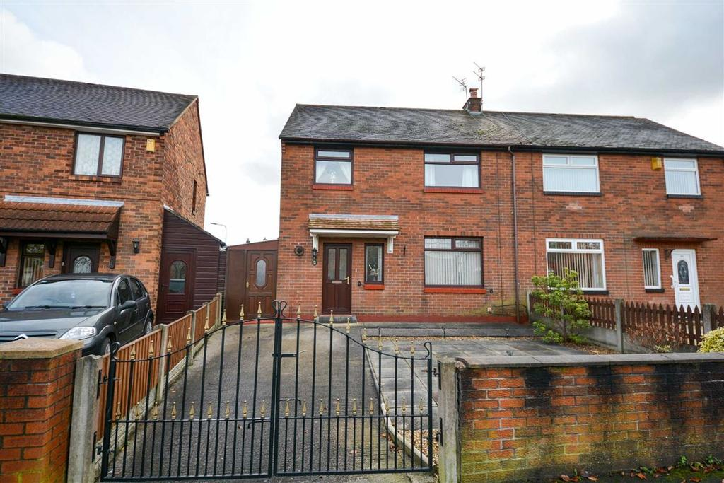3 Bedrooms Semi Detached House for sale in Snowden Avenue, Goose Green, Wigan, WN3