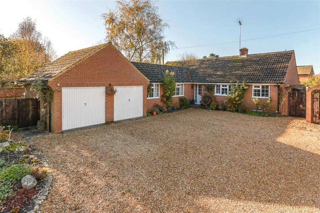 5 Bedrooms Bungalow for sale in Witts End, West Overton, Marlborough, Wiltshire, SN8