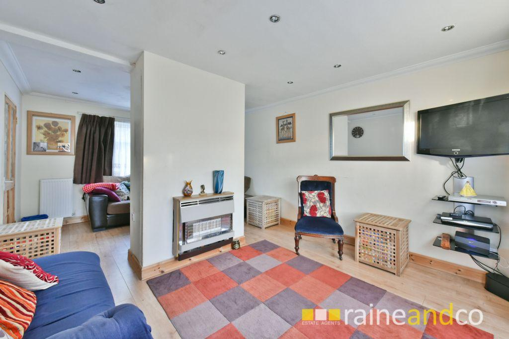 3 Bedrooms House for sale in Elder Way, Stevenage, SG1