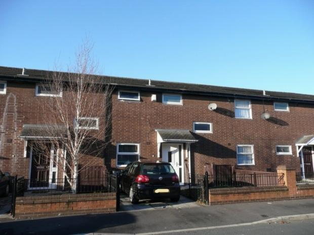 2 Bedrooms Terraced House for sale in Brentwood Street M16 7lg Manchester