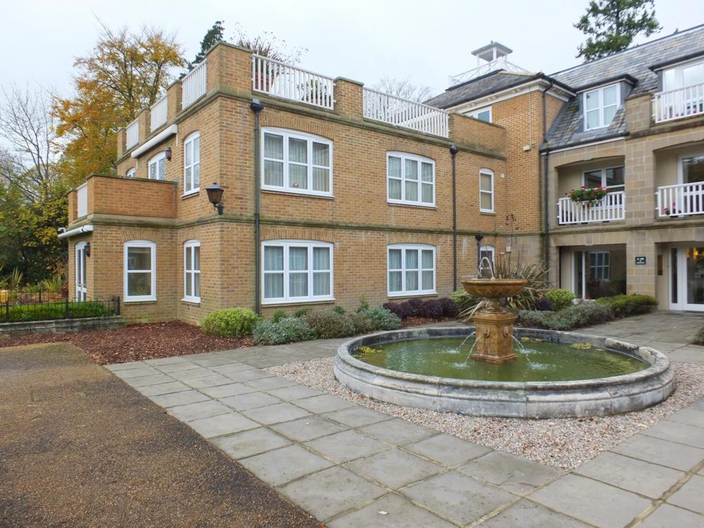 2 Bedrooms Retirement Property for sale in Hett Close, Ardingly, RH17