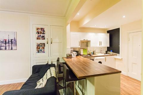 4 bedroom house to rent - Thornville Row, Hyde Park, LS6 1JN