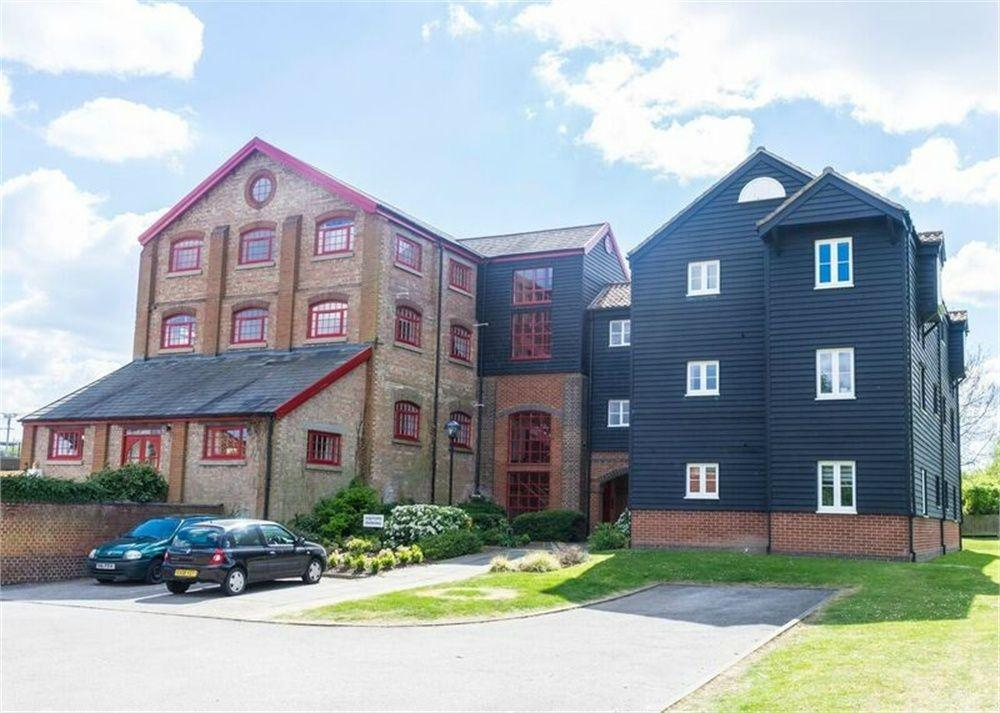 1 Bedroom Flat for sale in 12 Kings Meadow, Coggeshall Road, Kelvedon, Essex
