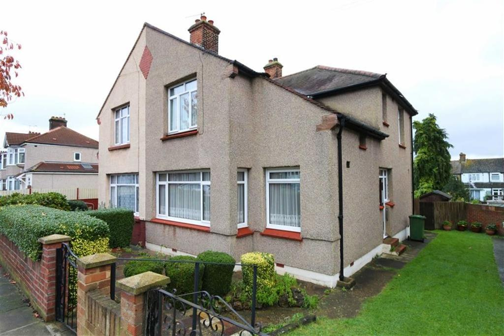 3 Bedrooms Semi Detached House for sale in Woodhurst Road, Abbey Wood, London, SE2