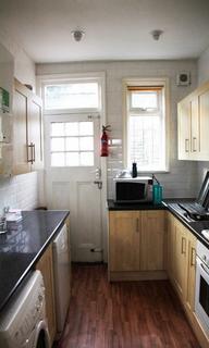 4 bedroom semi-detached house to rent - Ash Road, Headingley, LS6 3EZ