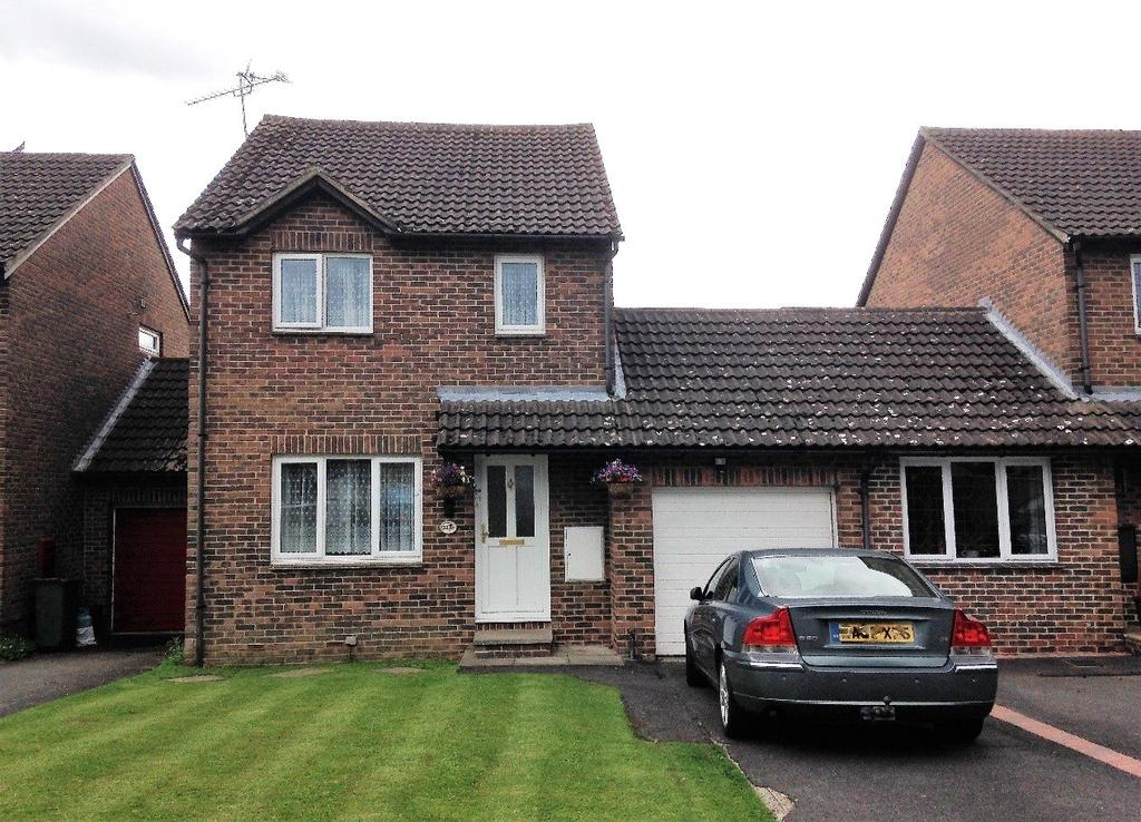 3 Bedrooms House for sale in Rushmoor Gardens, Calcot, Reading, Berkshire, RG31