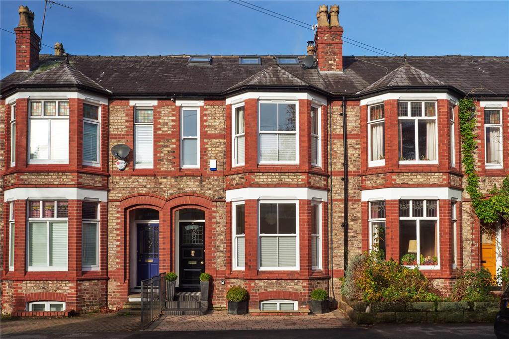 4 Bedrooms Terraced House for sale in Westgate, Hale, Cheshire, WA15