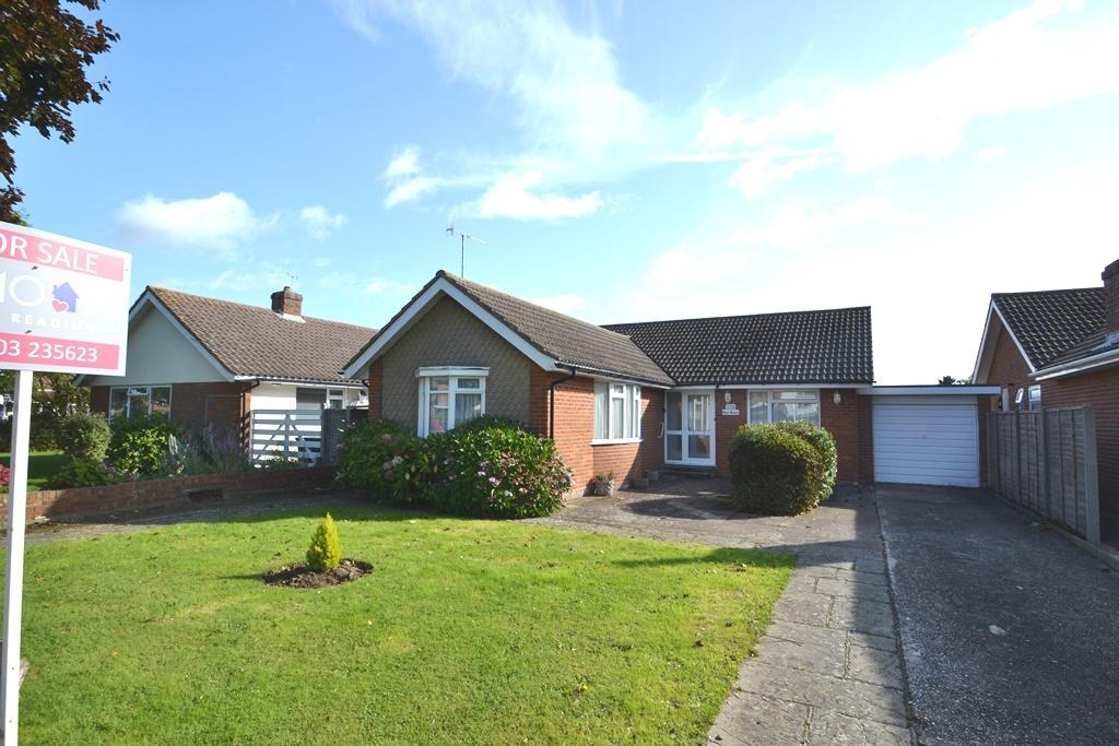 2 Bedrooms Detached Bungalow for sale in Aldsworth Avenue, Goring By Sea, BN12 4UU