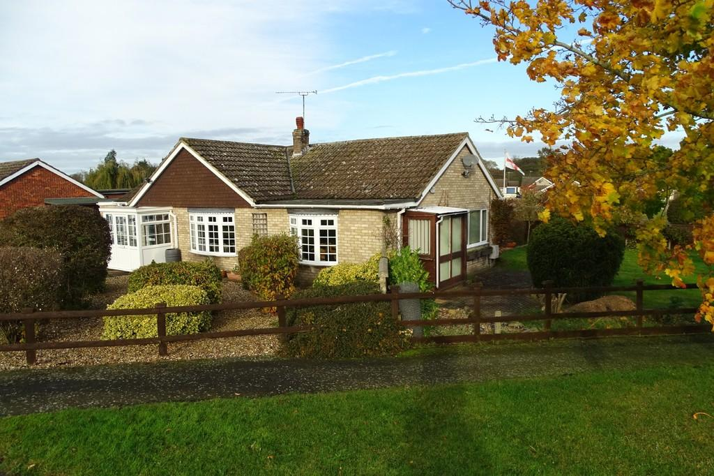 3 Bedrooms Detached Bungalow for sale in St Anthonys Way, Brandon