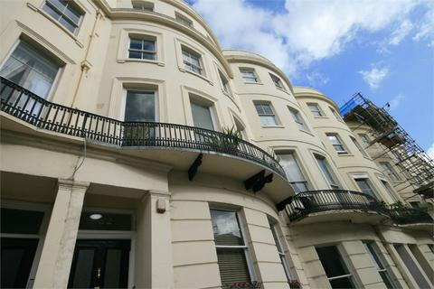 Studio to rent - Brunswick Place, Hove, BN3