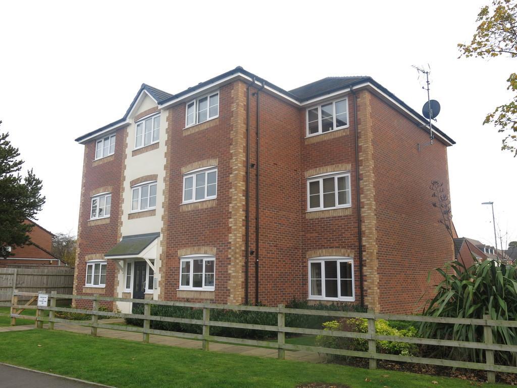 2 Bedrooms Ground Flat for rent in Bullhurst Close, Talke