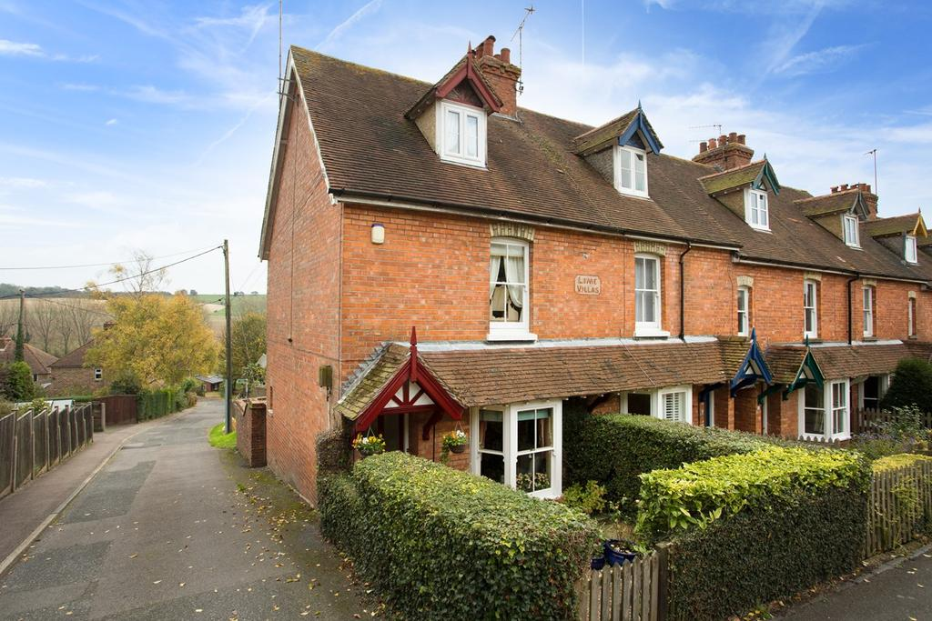 3 Bedrooms End Of Terrace House for sale in High Street, Elham, Canterbury, CT4
