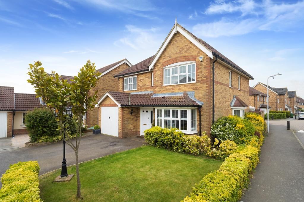 4 Bedrooms Detached House for sale in Pannell Drive, Hawkinge, Folkestone, CT18