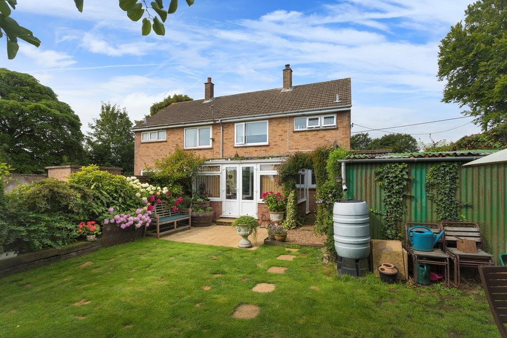 3 Bedrooms Semi Detached House for sale in Longage Hill, Rhodes Minnis, Canterbury, CT4