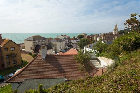 4 bedroom detached bungalow for sale - The Riviera, Sandgate, Folkestone, CT20