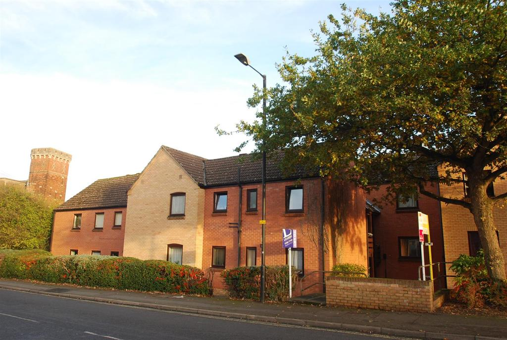 1 Bedroom Apartment Flat for sale in Prince Of Wales Close, Bury St Edmunds