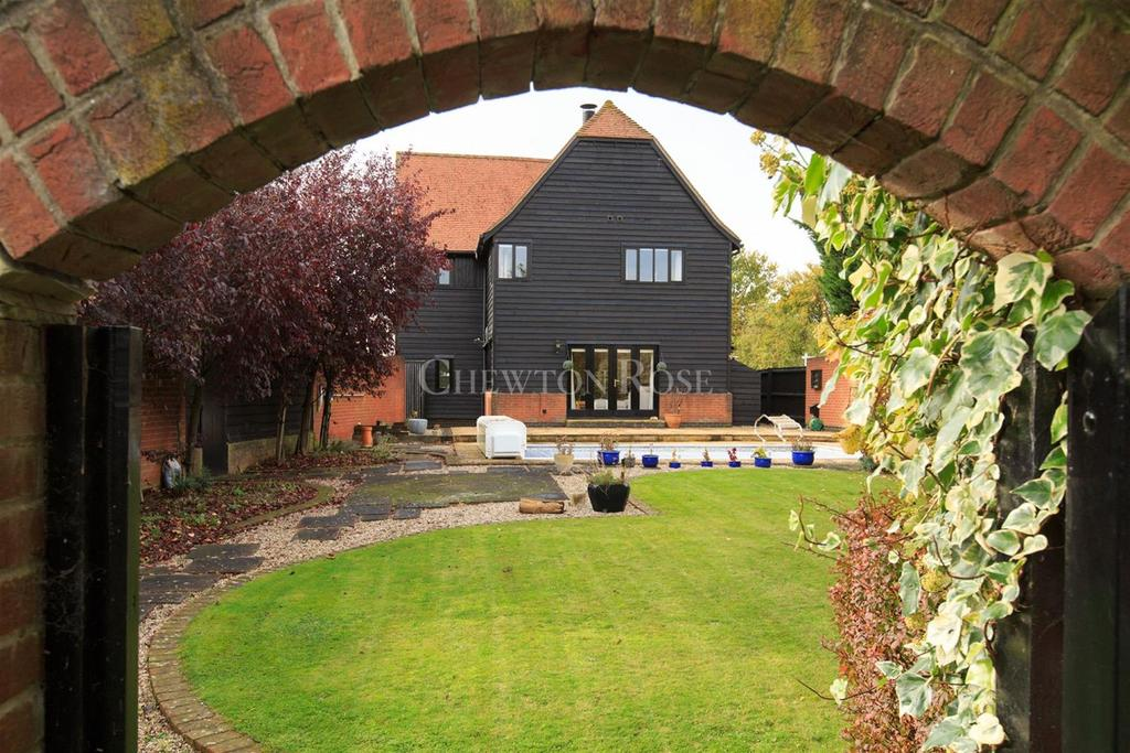 4 Bedrooms Detached House for sale in Castle Hedingham