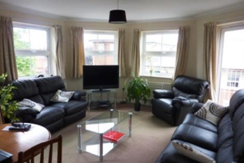 2 bedroom flat to rent - ROLLESBROOK GARDENS - CENTRAL - UNFURN