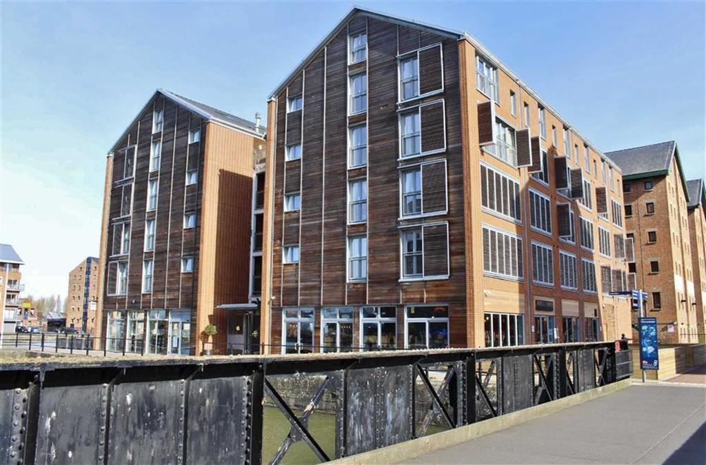 2 Bedrooms Apartment Flat for sale in Merchants Quay, The Docks, Gloucester