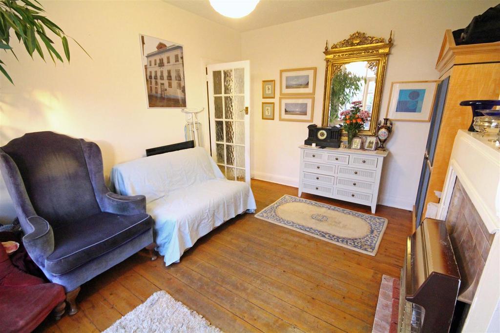 1 Bedroom Flat for sale in Old Shoreham Road, Portslade, Brighton