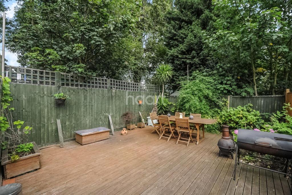 2 Bedrooms Flat for sale in Connell Crescent, Ealing