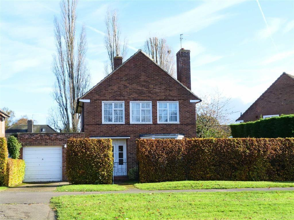3 Bedrooms Detached House for sale in Parkway, West Side, Welwyn Garden City