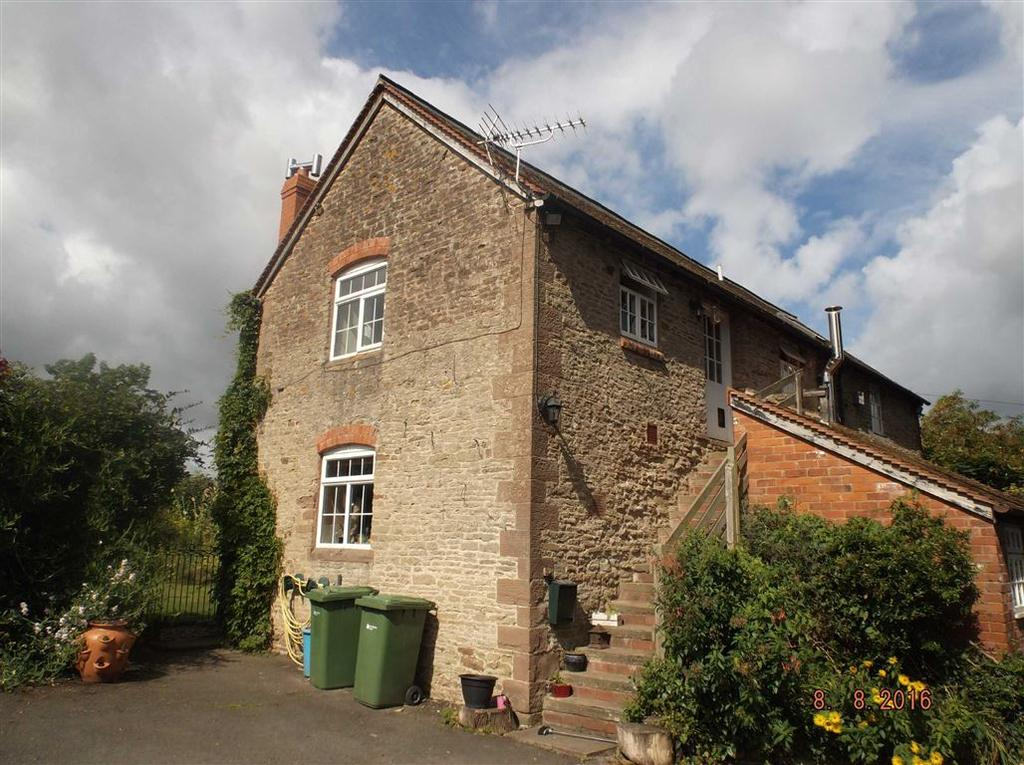 3 Bedrooms Flat for rent in Byre House, How Caple, Hereford