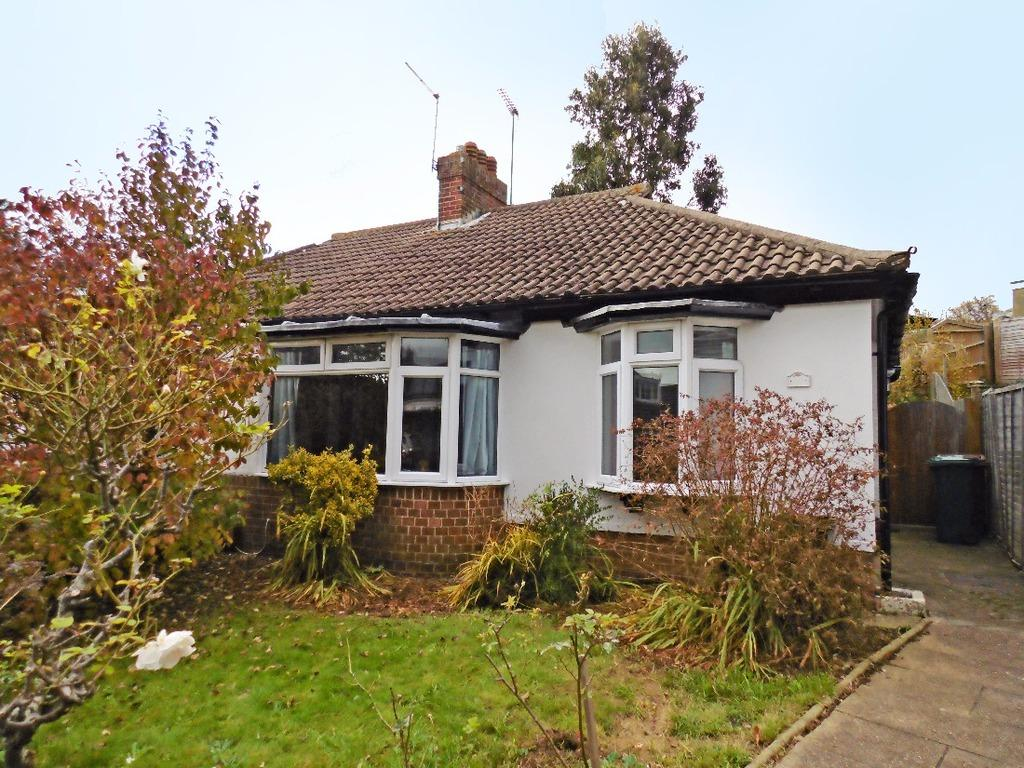 2 Bedrooms Semi Detached House for sale in Garden Close Portslade East Sussex BN41