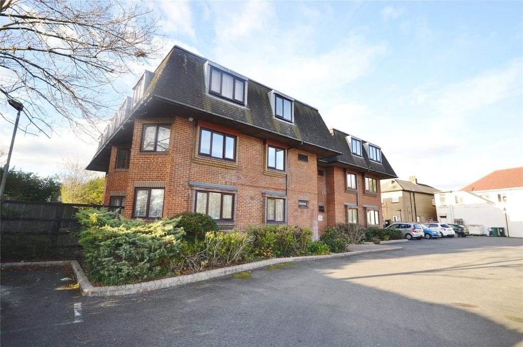 1 Bedroom Apartment Flat for sale in Dean Court, North Orbital Road, Watford, Hertfordshire, WD25