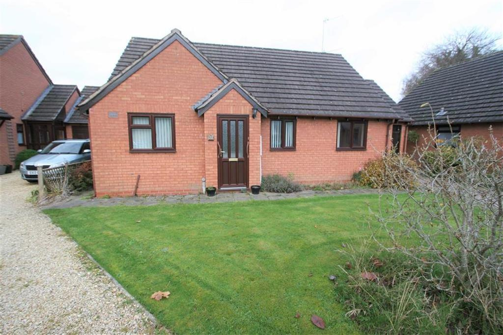 3 Bedrooms Bungalow for sale in Caenbrook Meadow, Presteigne, Powys