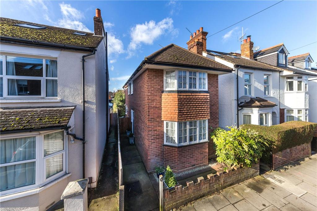 3 Bedrooms Detached House for sale in Harlesden Road, St. Albans, Hertfordshire