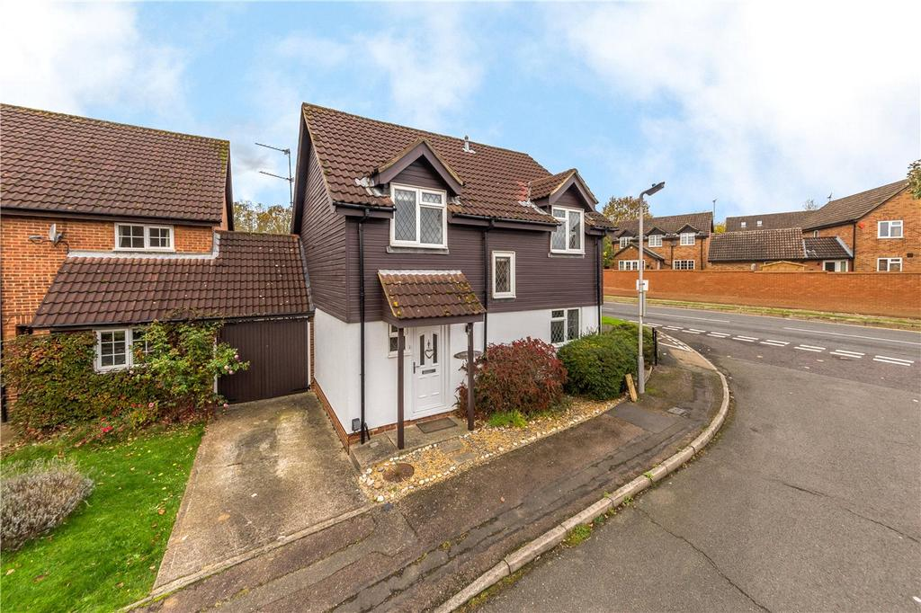 4 Bedrooms Detached House for sale in Larkswood Rise, St. Albans, Hertfordshire