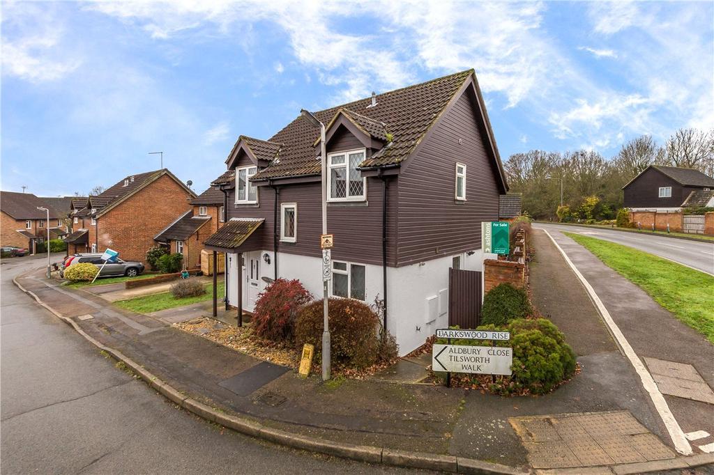 4 Bedrooms Detached House for sale in Larkswood Rise, St. Albans, Hertfordshire