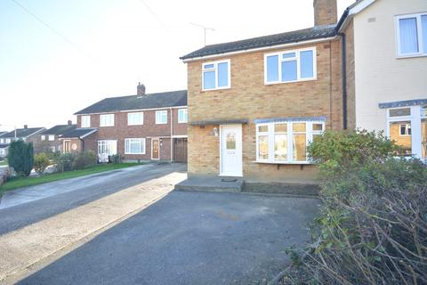 3 bedroom semi-detached house to rent - Maple Drive, Chelmsford, Essex, CM2
