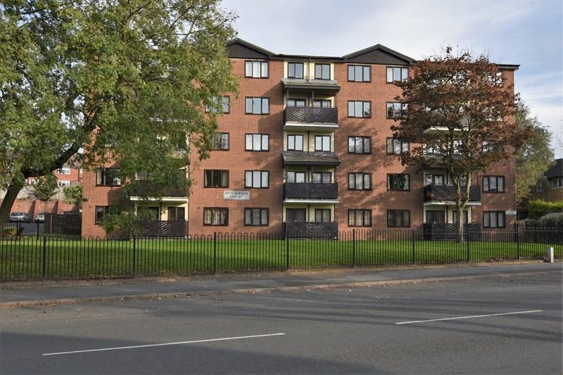 3 Bedrooms Flat for sale in Queensway, Oldbury