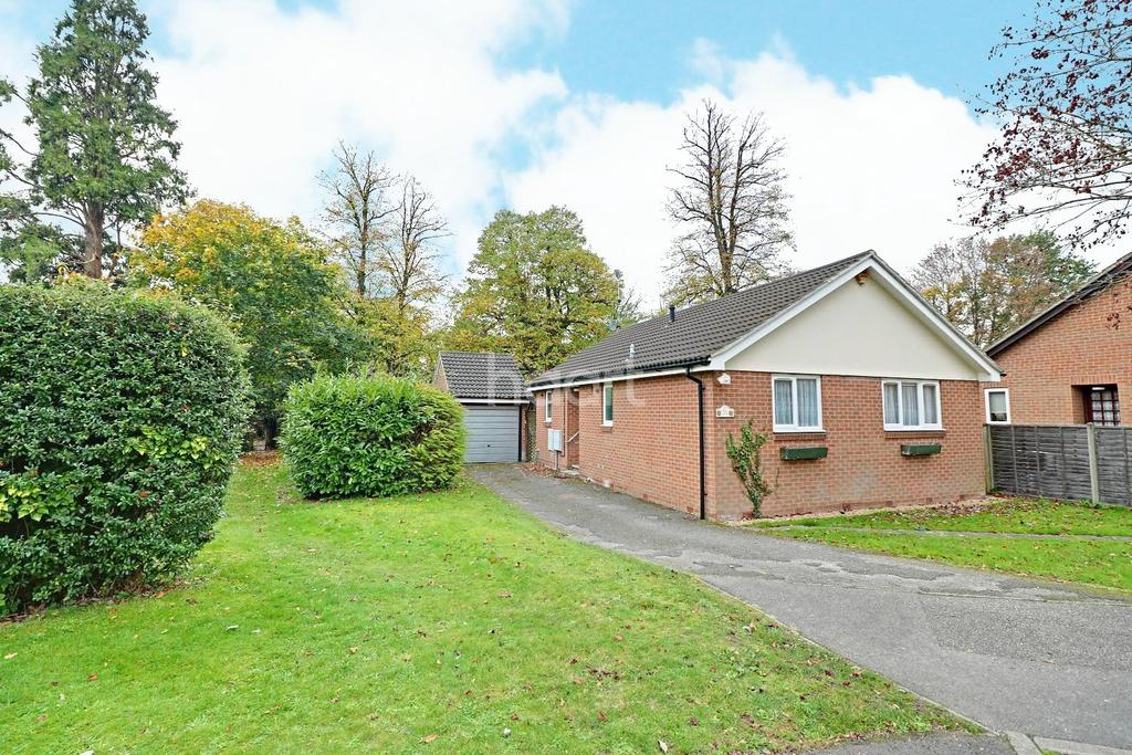 2 Bedrooms Bungalow for sale in Bracknell