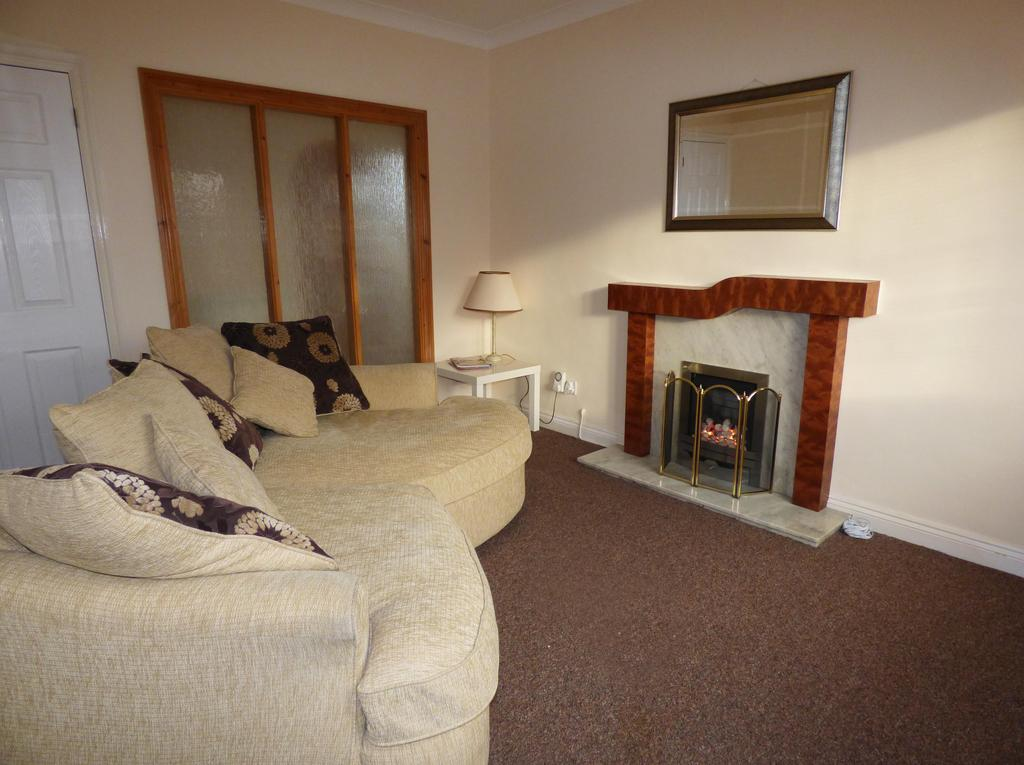 2 Bedrooms Detached Bungalow for rent in 22 Princess Street, Cannock, WS11 5JS