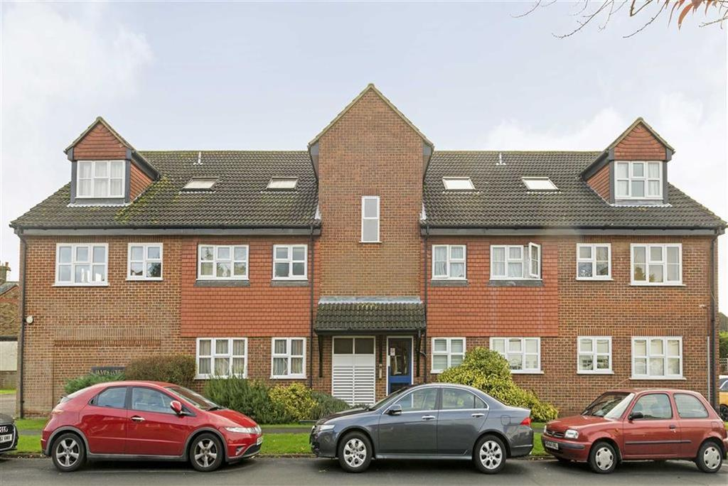 1 Bedroom Flat for sale in St James Court, Ashtead, Surrey