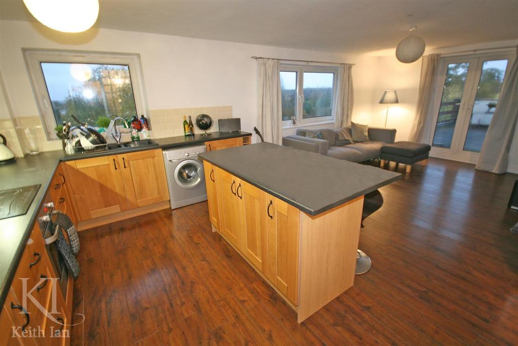 Highmill ware with private roof terrace garage 1 bed for Garage with apartment for sale