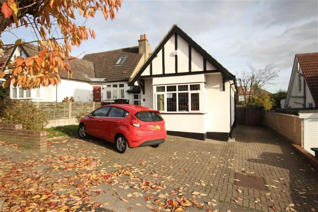 4 Bedrooms Chalet House for sale in Normandy Avenue, High Barnet, Herts, EN5