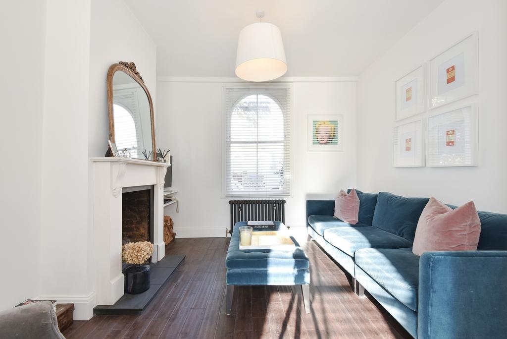 3 Bedrooms Terraced House for sale in Lynton Road Bermondsey SE1