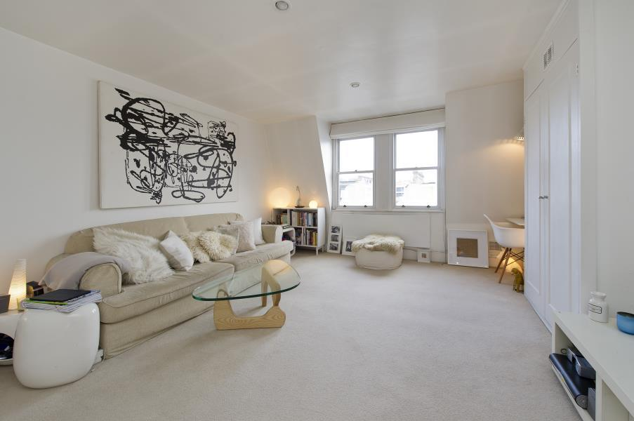 1 Bedroom Flat for sale in Sinclair Road, Brook Green W14
