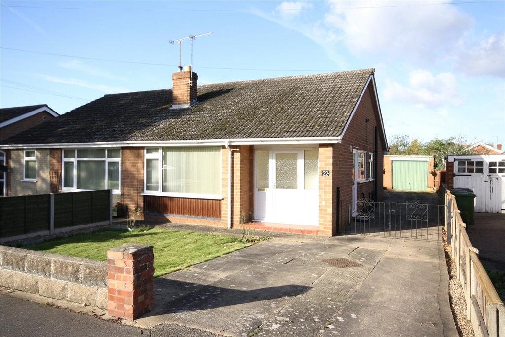 2 Bedrooms Semi Detached Bungalow for sale in Birchwood Avenue, Lincoln, Lincolnshire, LN6