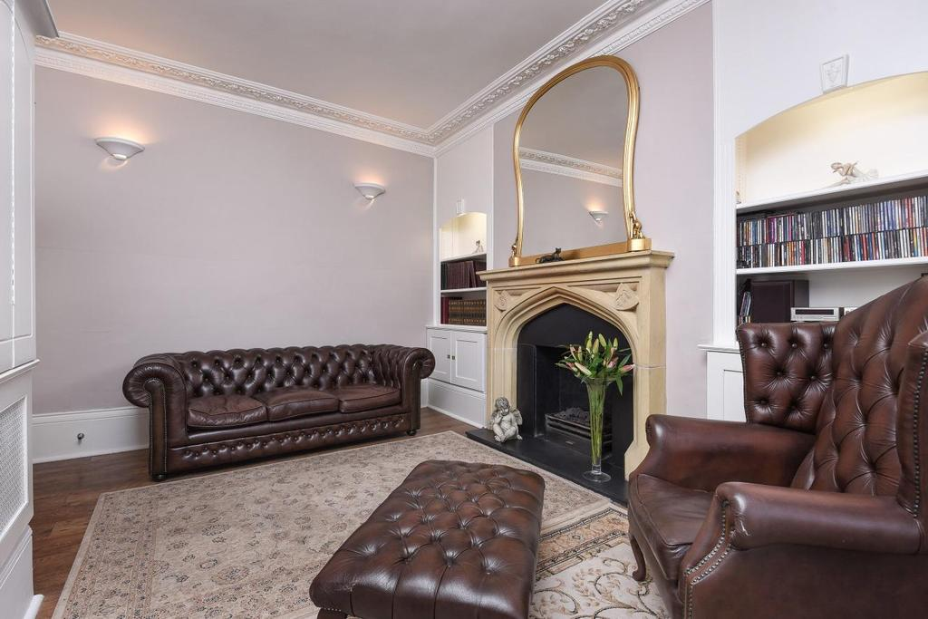 3 Bedrooms Flat for sale in Babington Road, Streatham