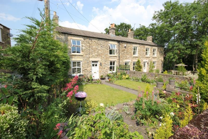 2 Bedrooms Semi Detached House for sale in Silver Street, Wolsingham,